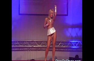 دختر خیره کننده ایستاده بود در ریخته گری کانال سکسی تلگرام اینستا