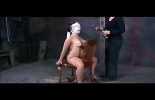 دختر سیاه و سفید مدل در طبقه کانال تلگرام فیلم سکسی