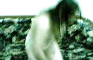 دباغی Schlendra در خدمت کانال سکسی در دو را cocks